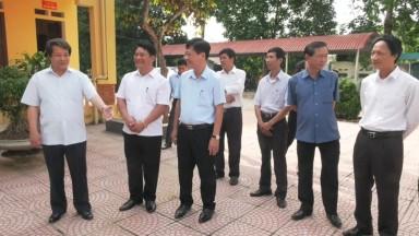 Kiểm tra việc kiểm điểm giữa nhiệm kỳ thực hiện Nghị quyết Đại hội Đảng bộ tỉnh lần thứ XVIII